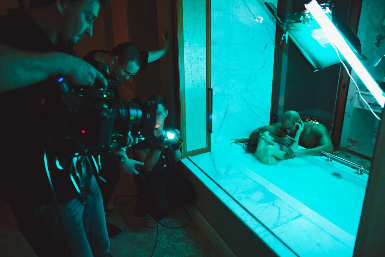 Юлии ковальчук селфи в ванной фото